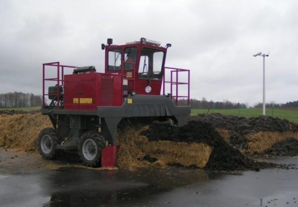 przerzucarka-kompostu-kolowa---f000052258