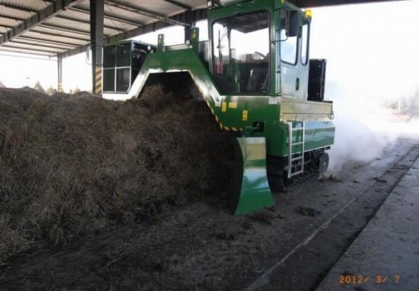przerzucarka-kompostu---f000058232