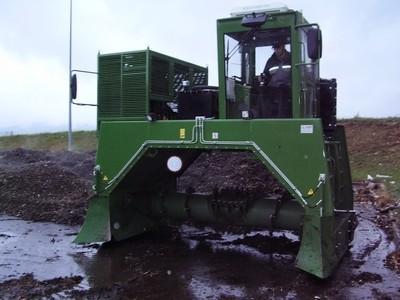 przerzucarka-kompostu---f000016753