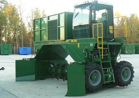 przerzucarka-kompostu---f000054262