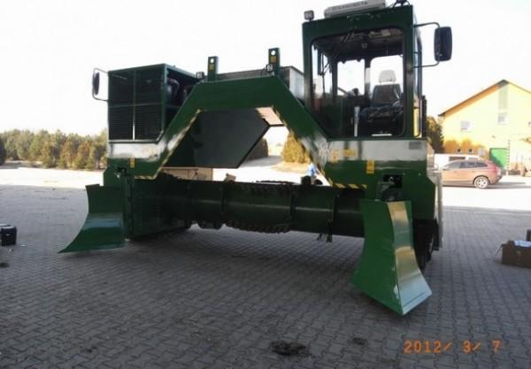 przerzucarka-kompostu---f000042920