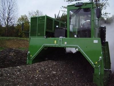 przerzucarka-kompostu---f000029878